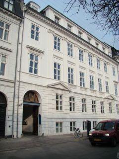 Sankt Annæ Plads 11 - lille - tv