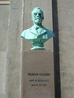 Thomsen, Vilhelm - buste på Frue Plads