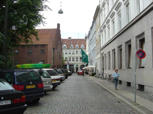 valkendorfsgade-med-helligaandshuset-foto-fra-august-2006