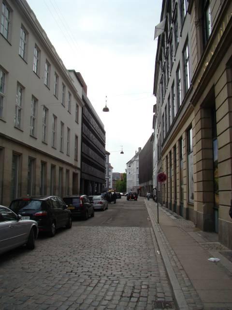 vingaardstraede-set-fra-kongens-nytorv-foto-fra-juni-2009