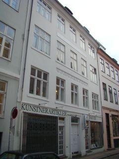 Nørgaard, Logan - lille - tv